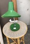 Lampe de bureau verte avec bras articulee