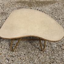 Table basse en rotin de forme haricot,rognon